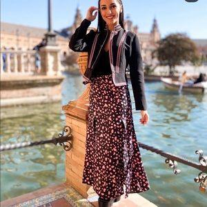 Zara midi skirt bloggers favorite